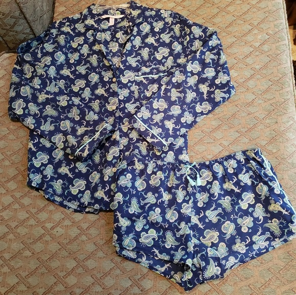Victoria's Secret Other - Victoria's Secret pajama set
